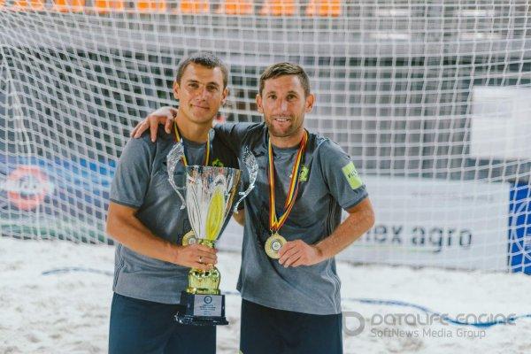 Munteanu și Țîmbalist Campioni la fotbal plajă !